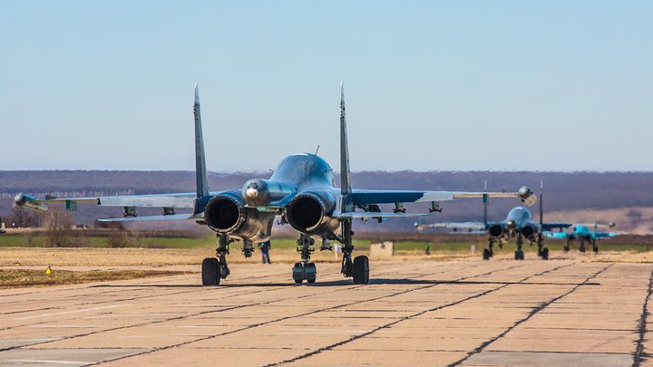 """""""Не раскрывают карт, и правильно"""": Американский эксперт о том, какую правду про Су-57 """"русские держат в тайне"""""""