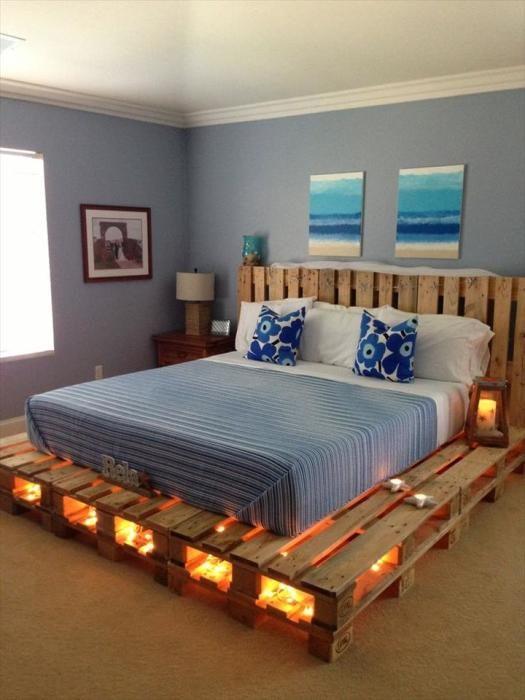 Примеры необычных кроватей из поддонов, которых несложно сделать своими руками