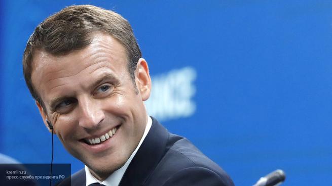 Макрон раскалывает Евросоюз,…