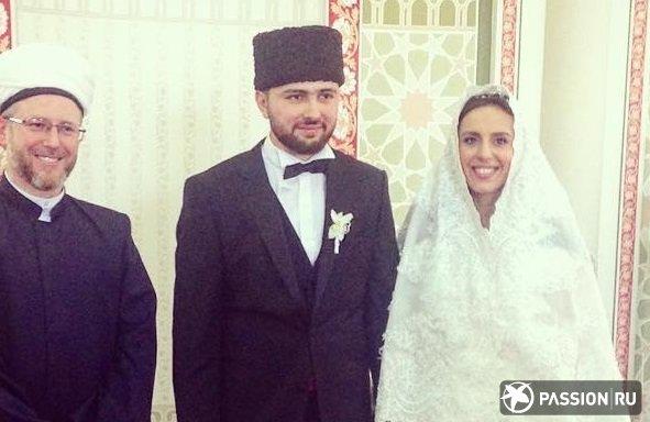 Скромное платье, муж-политик и свадьба в мечети: победительница «Евровидения» Джамала вышла замуж