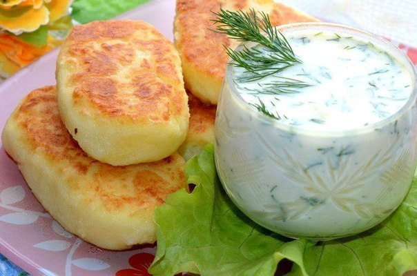 Картофельные котлеты с соусо…