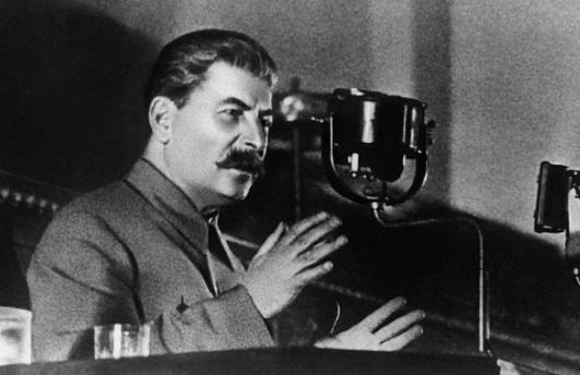 «Моя мама хотела, чтобы я стал священником»: что Сталин сделал для РПЦ