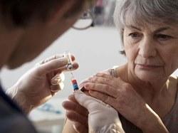 Пожилых людей будут планомерно прививать от инфекционных заболеваний