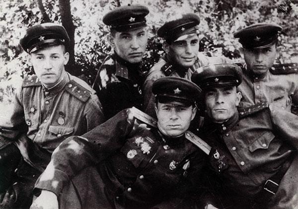 Зачем Сталин вернул погоны