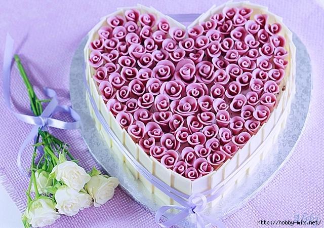 Как оформить торт к Дню влюбленных - 2 мастер-класса