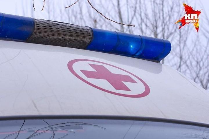 Микроавтобус столкнулся с грузовиком в Подмосковье: один человек погиб и 10 пострадали