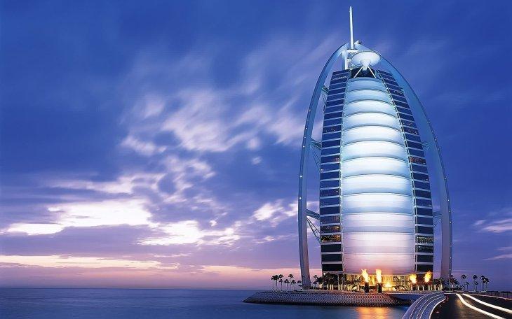 Самый роскошный отель в мире: БурджАаль Араб