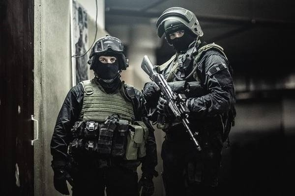 «Вот вам и разница»: иностранцы об освобождении заложников по-русски и по-американски