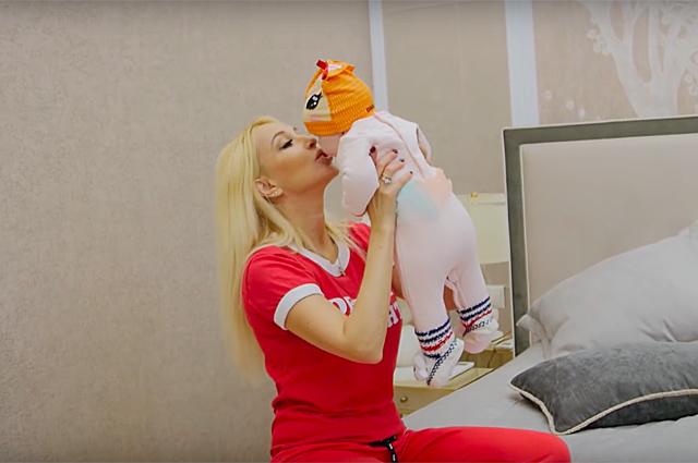Лера Кудрявцева с дочерью, А…