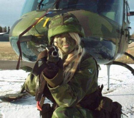 Девушки в Вооруженных силах разных стран.