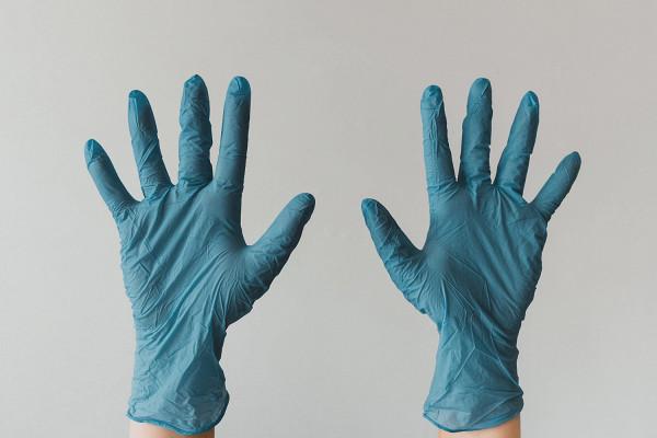 Резиновые перчатки: эксперты несоветуют надевать ихвмагазин