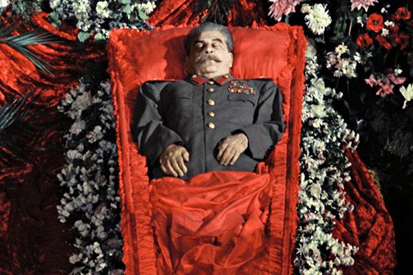 Тень отца народов Кто и зачем поднял Сталина из могилы