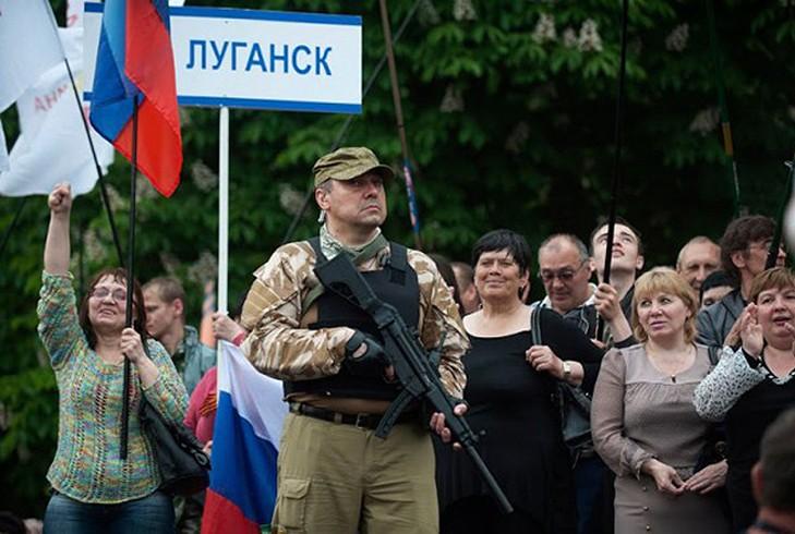 В Луганске новая власть доказывает свою состоятельность