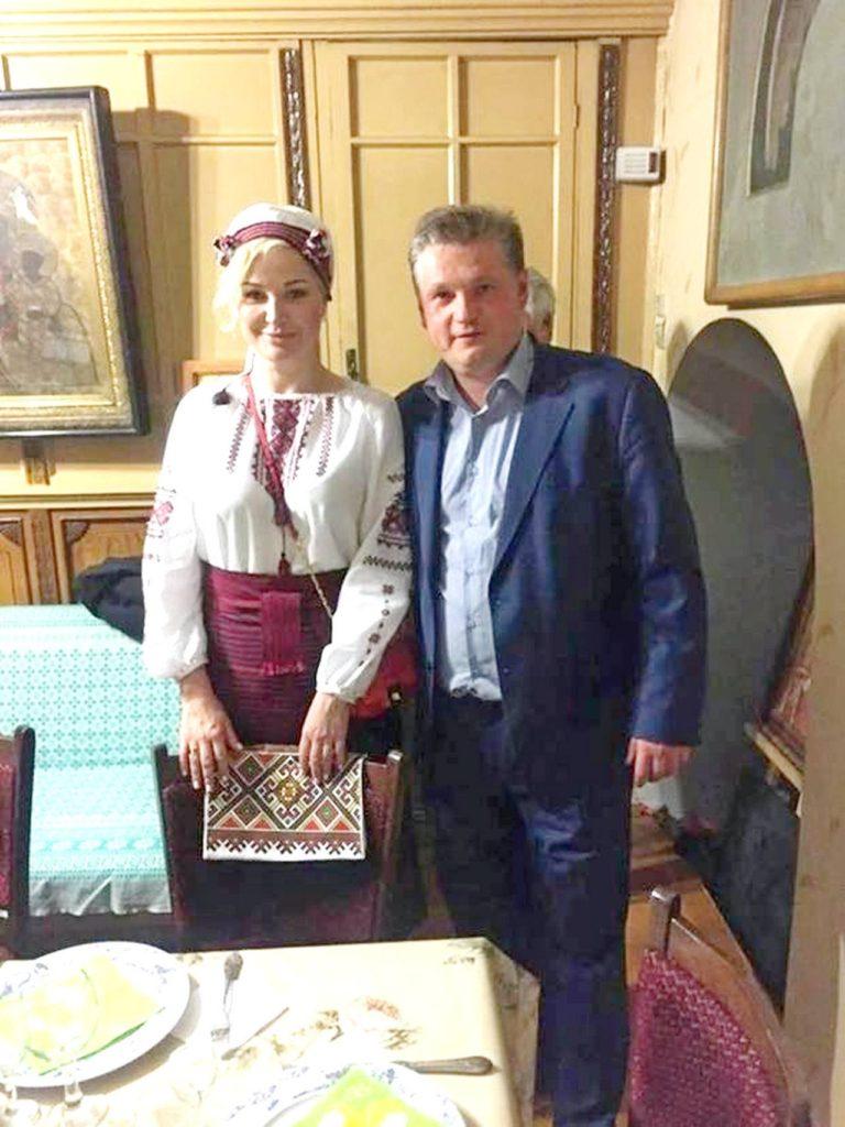 Ария весёлой вдовы для Порошенко