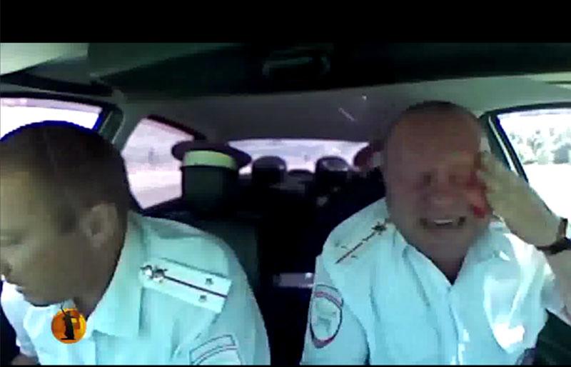 В погоне за грабителями полицейский получает огнестрельное ранение в голову