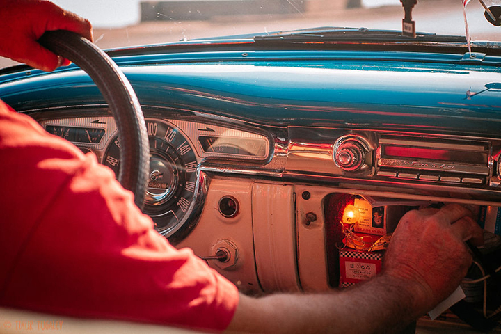 i-spent-20-days-in-cuba-documenting-the-life-of-local-people-19__880