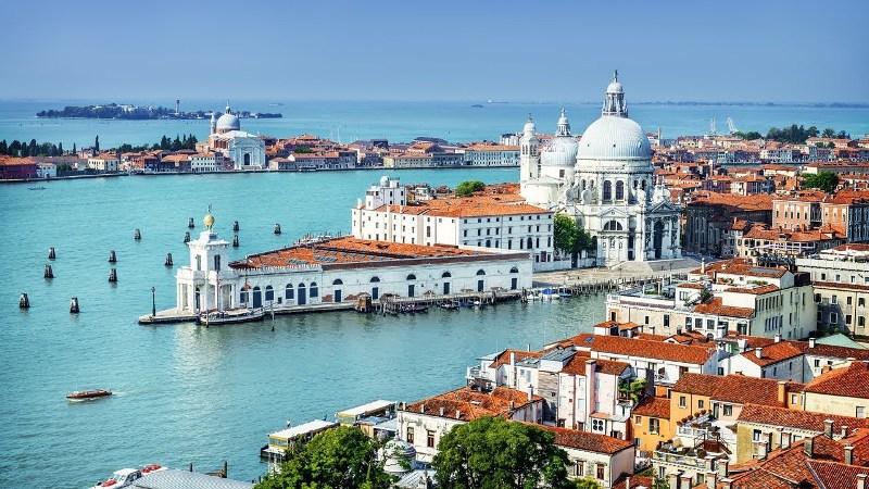 10 одних из самых красивых городов мира