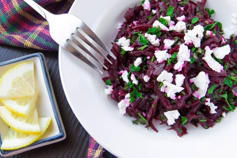 салат из сырой свеклы капусты и моркови