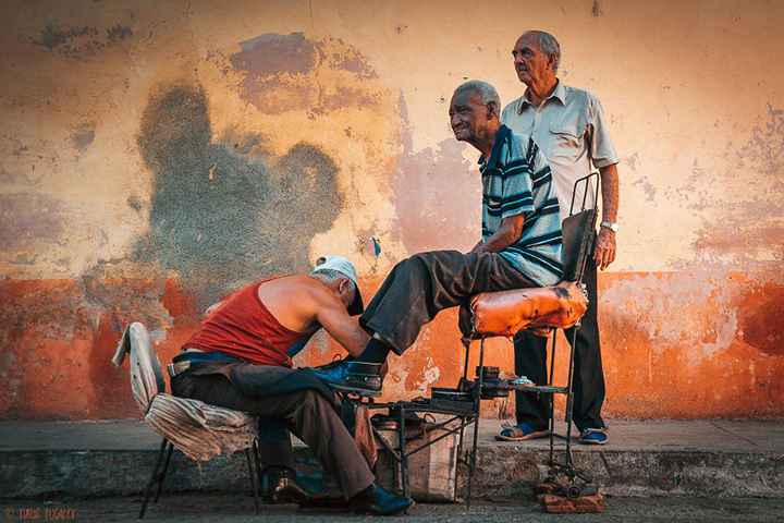 i-spent-20-days-in-cuba-documenting-the-life-of-local-people-3__880