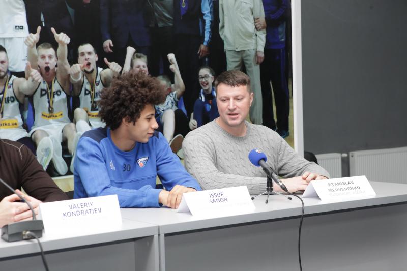 Медведенко: «У Санона есть в…
