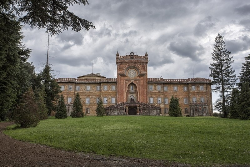 Замок Саммеццано — забытый шедевр архитектуры