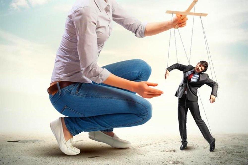 Женщин благословили манипулировать придирчивыми мужьями