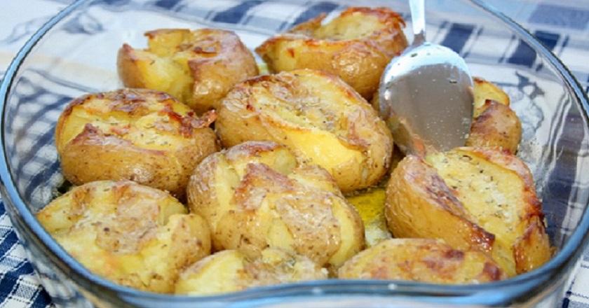 Картофель в кожуре, запеченный в духовке
