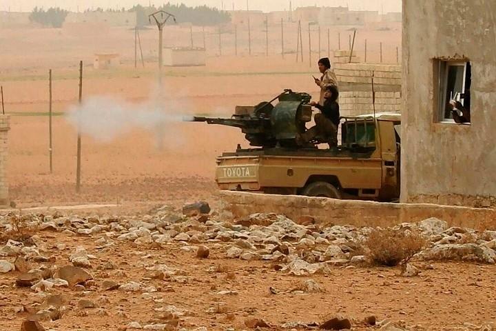 Минобороны РФ обвинило проамериканские сила в захвате боевиками части берега Евфрата в Сирии