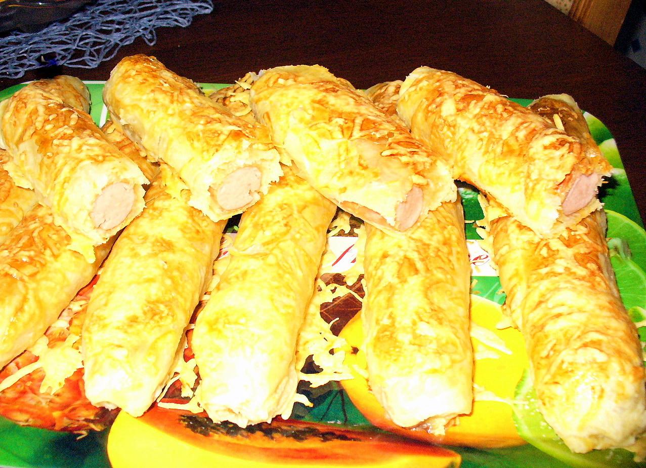 Немецкие колбаски Боквурст в слоёном тесте. Фото-рецепт. Olga Dell