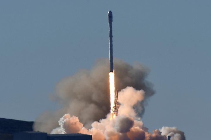 SpaceX впервые отправила на орбиту уже использовавшейся корабль на многоразовой ракете