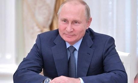 Россияне поздравляют Владимира Путина с 66-летием