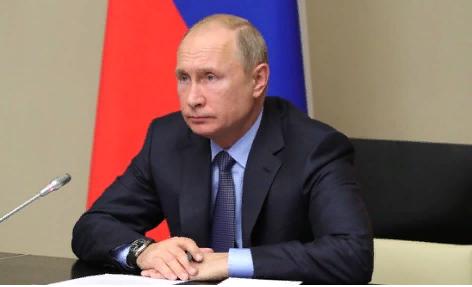 «Не надо революций, просто уберите Медведева»: к Путину обратился вернувший надбавку к пенсии ветеран