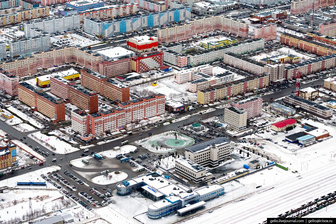 Новый Уренгой с высоты - газовая столица России