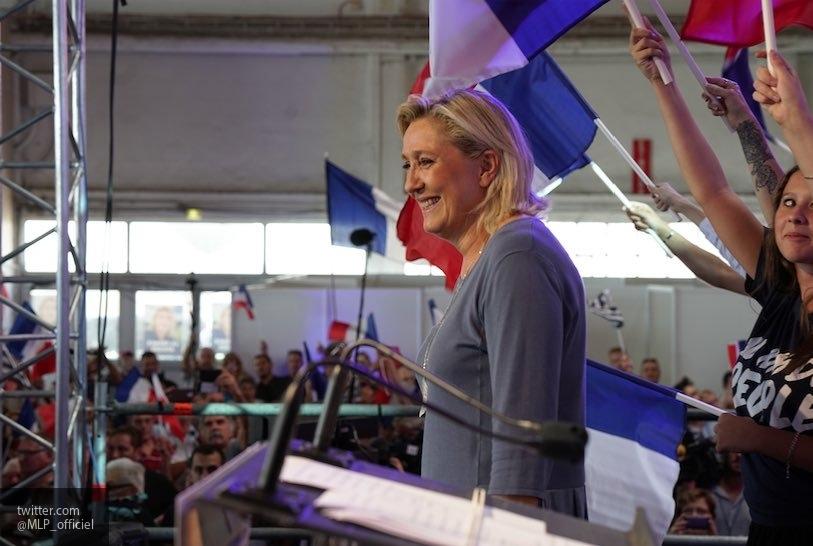 Ле Пен заявила, что Зидан некомпетентен в политике