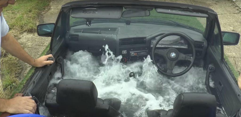 Старый кабриолет BMW 3 превратили в джакузи на колесах
