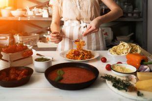 Макароны под домашним соусом. Простые рецепты пасты на ужин