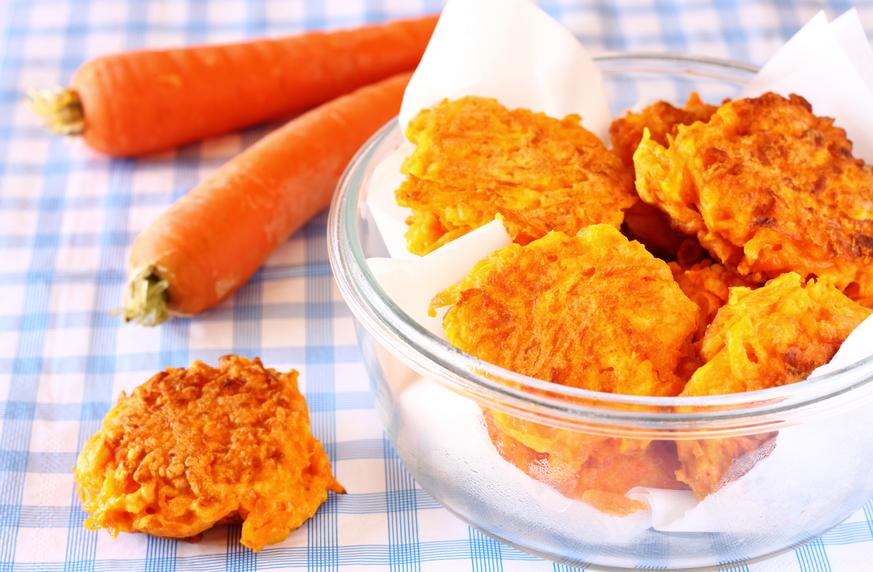 Минутная вкуснота на завтрак: морковные оладьи