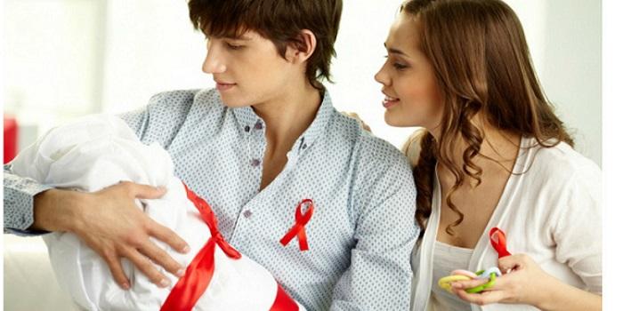 ВИЧ-инфицированным позволят брать детей на усыновление