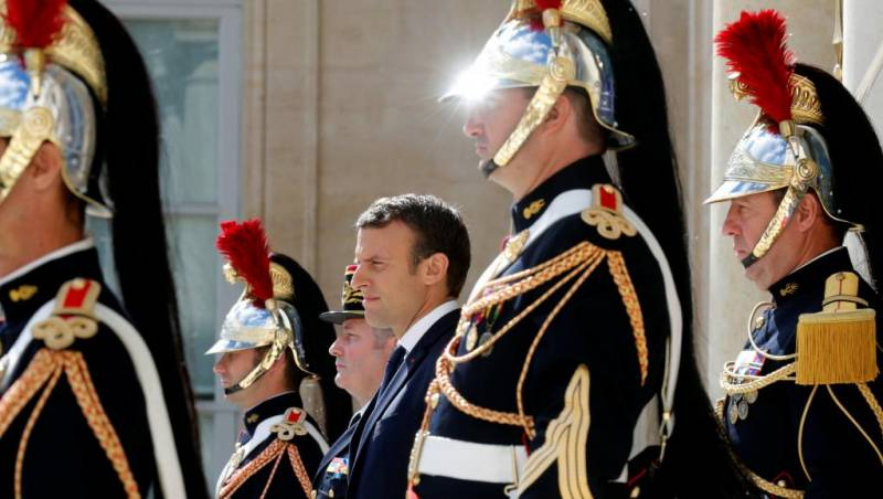 Франция набрала свой парламент с улицы