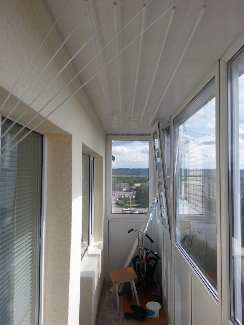 Решил превратить 5,5 метров бесполезной балконной площади в уютное местечко. Мужик решил, мужик сделал!