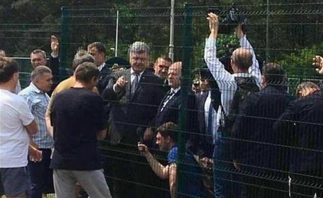 Петр Порошенко встречается с благодарными одесситами. ФОТО