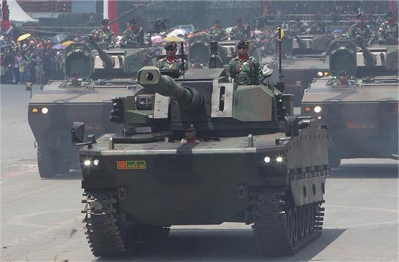 """Демонстрация комплектного прототипа """"среднего"""" танка Kaplan MT"""