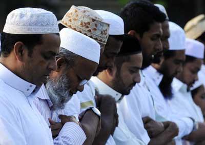 Какие цвета лучше не носить мусульманам