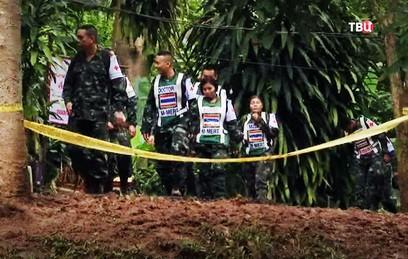 Из затопленной пещеры в Таиланде спасли всех детей. Как это было