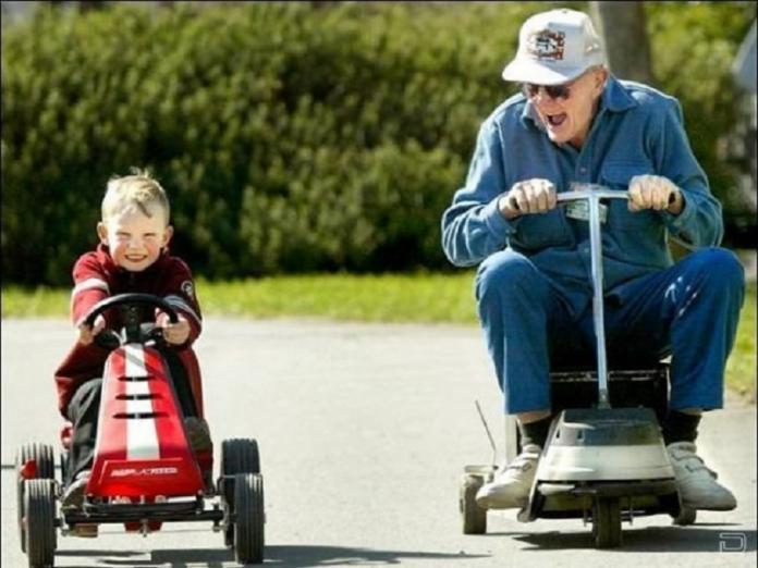Внук пришел проведать деда и…