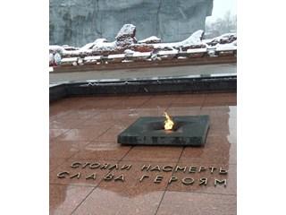 Русский солдат держится даже тогда, когда смерть в бою неизбежна