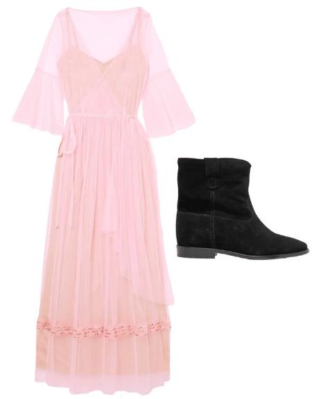 Розовое платье и черные ботинки
