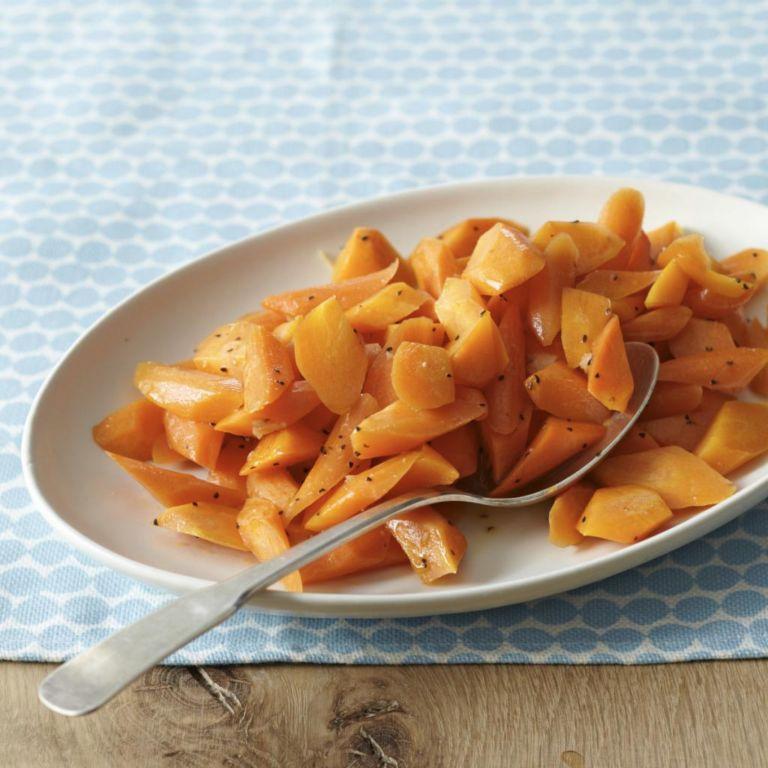 Салат с вареной морковкой: варианты рецептов, составы и порядок приготовления