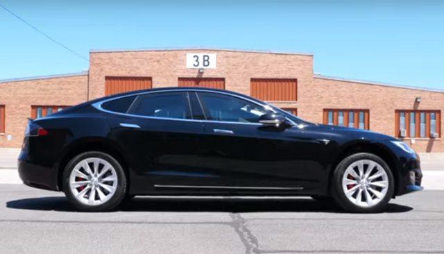 Tesla Model S превратили в с…