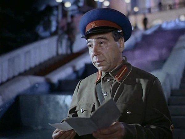 Продавал лампочки, терпел унижения и умер, не дождавшись помощи. Борис Гитин